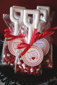 Stunning Valentine Gifts Crafts And Decorations Ideas 31