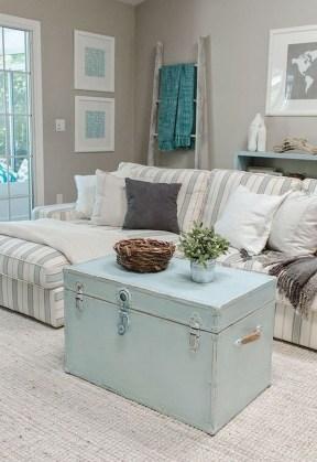 Stylish Coastal Themed Living Room Decor Ideas 31