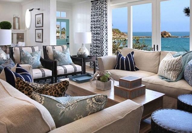 Stylish Coastal Themed Living Room Decor Ideas 51
