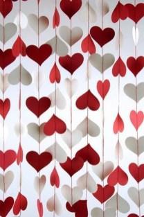 Unique Outdoor Valentine Decor Ideas 34