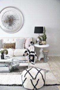 Affordable Apartment Living Room Design Ideas With Black And White Style 38