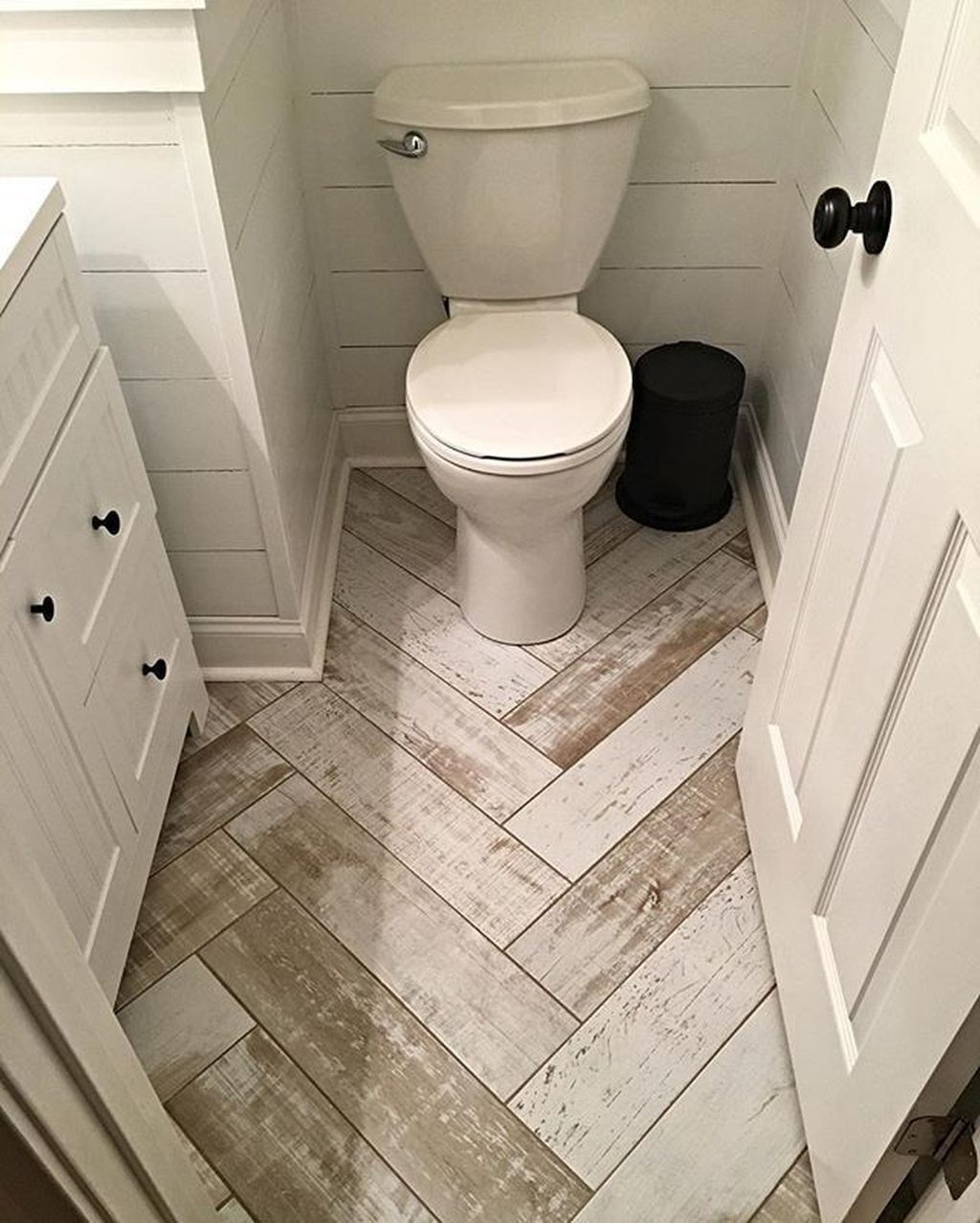 Cheap Bathroom Remodel Design Ideas 16