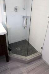 Cheap Bathroom Remodel Design Ideas 23