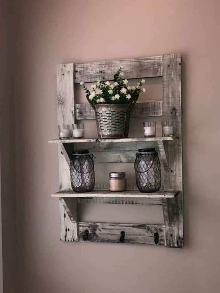 Comfy Farmhouse Wooden Bathroom Design Ideas 12