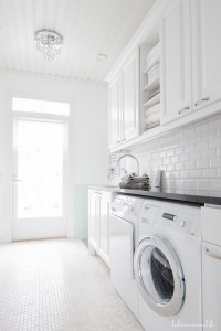Enjoying Laundry Room Ideas For Small Space 39