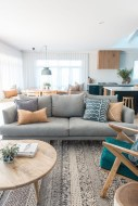 Fascinating Colorful Rug Designs Ideas For Living Room 18