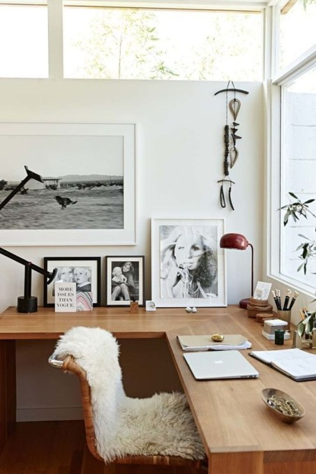 Gorgeous Industrial Table Design Ideas For Home Office 19