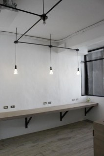 Gorgeous Industrial Table Design Ideas For Home Office 44