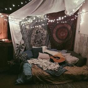 Lovely Boho Bedroom Decor Ideas 17