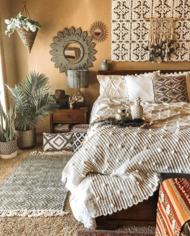 Lovely Boho Bedroom Decor Ideas 29