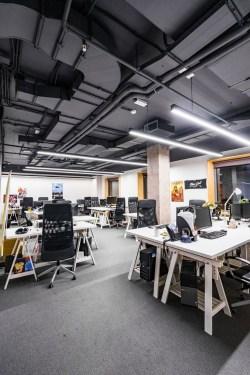 Magnificient Industrial Office Design Ideas 08