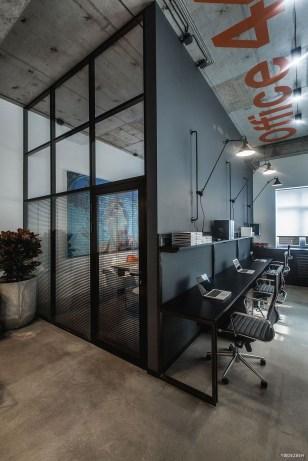 Magnificient Industrial Office Design Ideas 49
