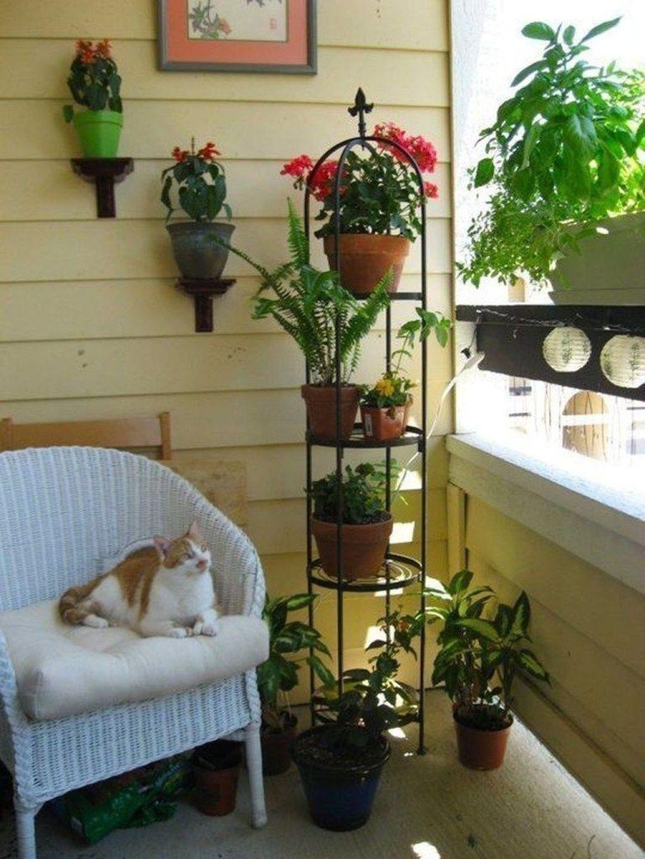 Stunning Small Patio Garden Decorating Ideas 05