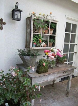 Stunning Small Patio Garden Decorating Ideas 14