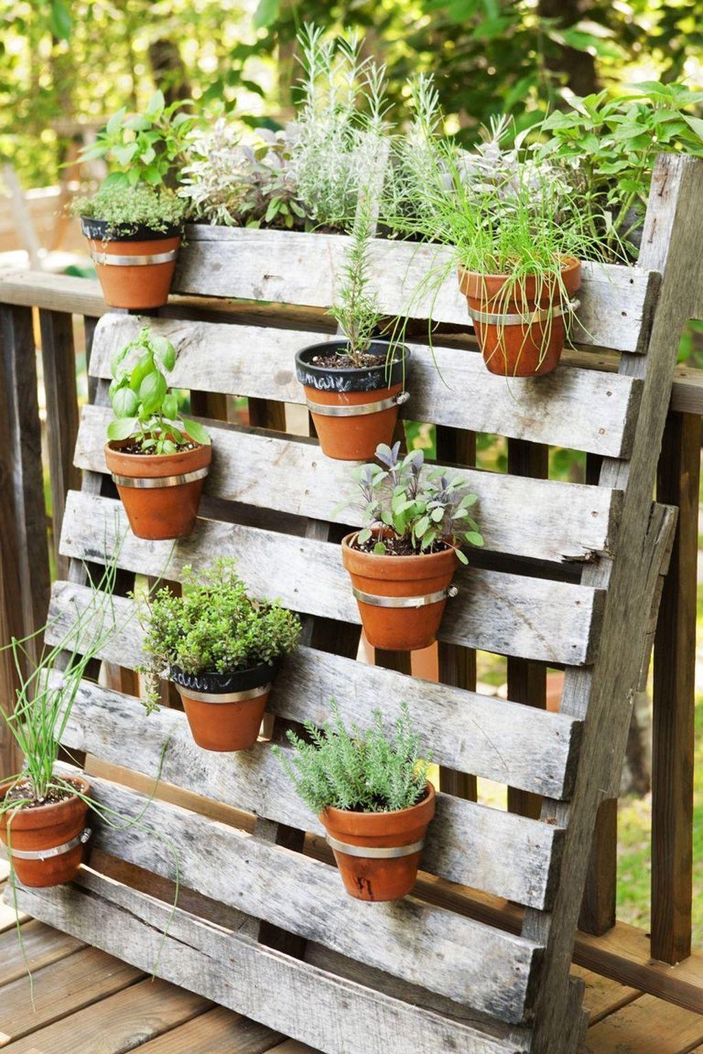 Stunning Small Patio Garden Decorating Ideas 21