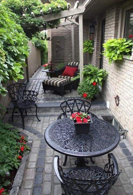 Stunning Small Patio Garden Decorating Ideas 46