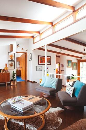 Unique Mid Century Living Room Ideas With Furniture 08