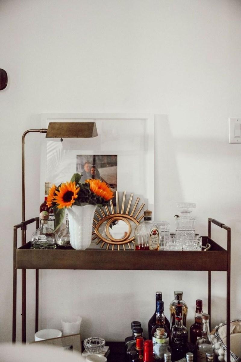 Wonderful Apartment Coffee Bar Cart Ideas 38