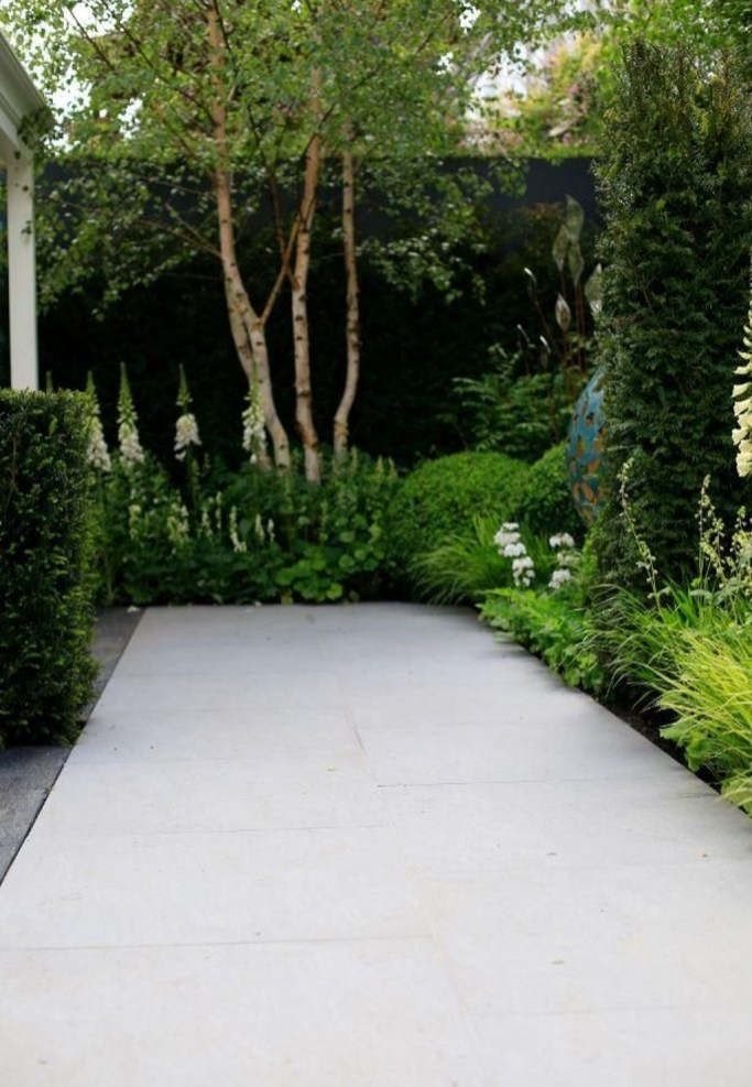 Cute Garden Fences Walls Ideas 17