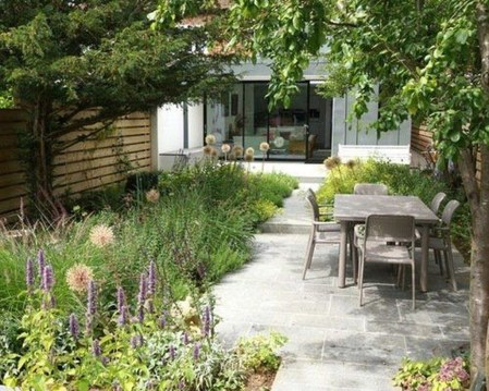 Cute Garden Fences Walls Ideas 20