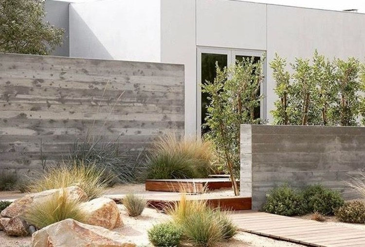 Cute Garden Fences Walls Ideas 43