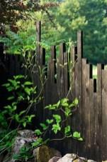 Cute Garden Fences Walls Ideas 49