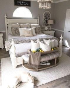 Elegant Farmhouse Decor Ideas For Bedroom 33