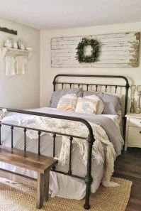Elegant Farmhouse Decor Ideas For Bedroom 34