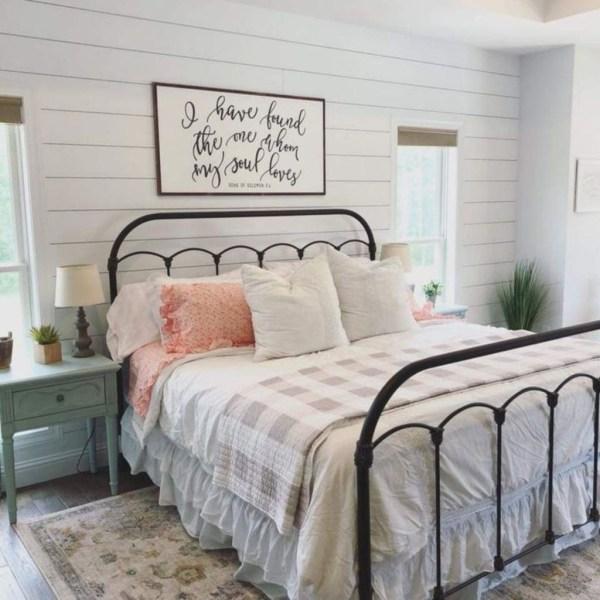 30 Elegant Farmhouse Decor Ideas For Bedroom Trendecors