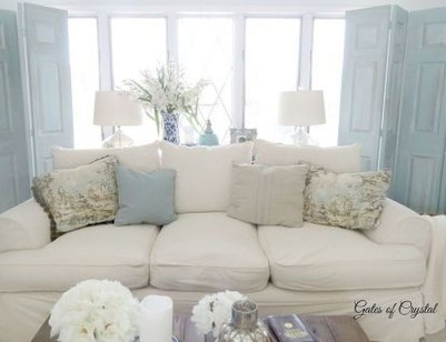 Impressive French Style Living Room Designs Ideas 50