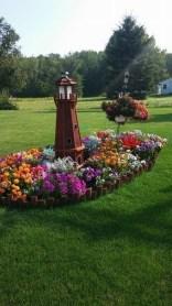 Incredible Autumn Decorating Ideas For Backyard 27