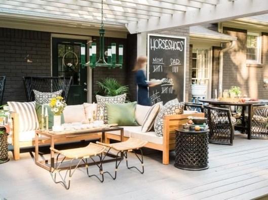 Incredible Autumn Decorating Ideas For Backyard 37