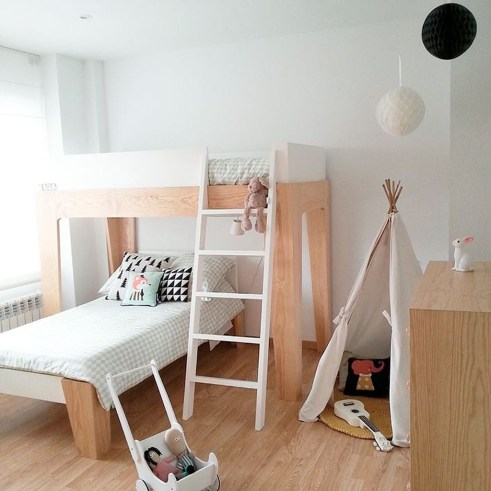 Inspiring Shared Kids Room Design Ideas 35