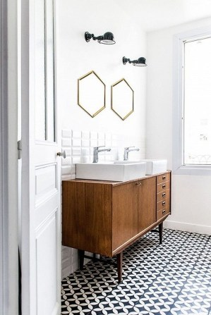 Luxury Towel Storage Ideas For Bathroom 26