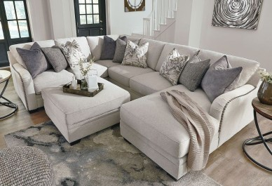 Minimalist Living Room Design Ideas 56