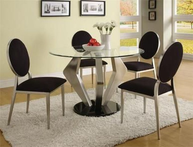 Striking Round Glass Table Designs Ideas For Dining Room 31