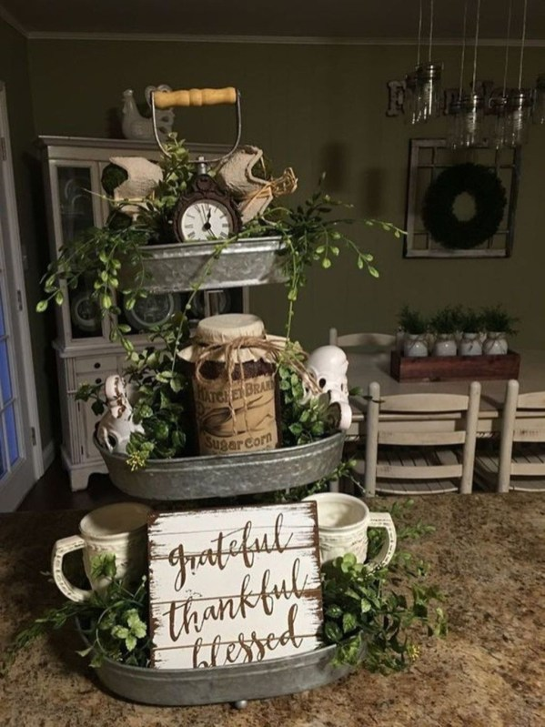 Cool Traditional Farmhouse Decor Ideas For House 40