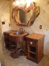 Cozy Small Bathroom Ideas With Wooden Decor 04