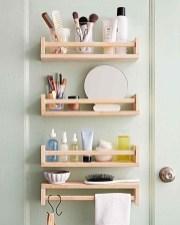 Cozy Small Bathroom Ideas With Wooden Decor 08