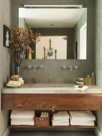 Cozy Small Bathroom Ideas With Wooden Decor 19