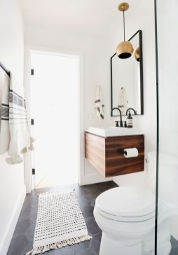 Cozy Small Bathroom Ideas With Wooden Decor 25