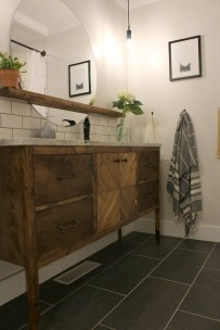 Cozy Small Bathroom Ideas With Wooden Decor 37