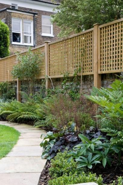 Cute Garden Fences Walls Ideas 09