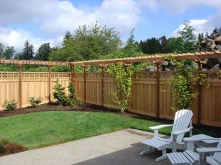 Cute Garden Fences Walls Ideas 16