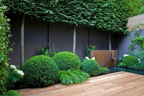 Cute Garden Fences Walls Ideas 22