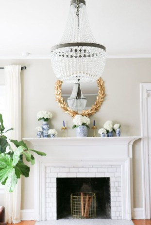 Fancy Living Room Decor Ideas With Ginger Jar Lamps 46