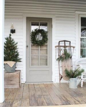 Fascinating Farmhouse Porch Decor Ideas 43