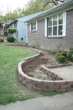 Gorgeous Front Yard Retaining Wall Ideas For Front House 54