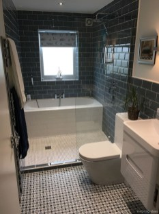 Popular Farmhouse Small Bathroom Decorating Ideas 05