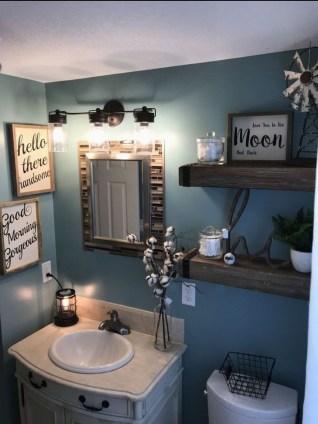 Popular Farmhouse Small Bathroom Decorating Ideas 17